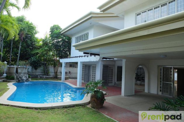 House And Lot In Ayala Alabang With Swimming Pool And Garden 4b0e6bdb46