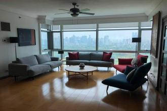 3 Bedroom with den at Pacific Plaza