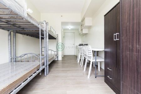 Studio with Bunk Bed for 4 along Espana for Rent