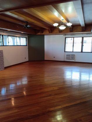 Ayala Alabang Huge 3 Storey 4 Bedroom House for Rent