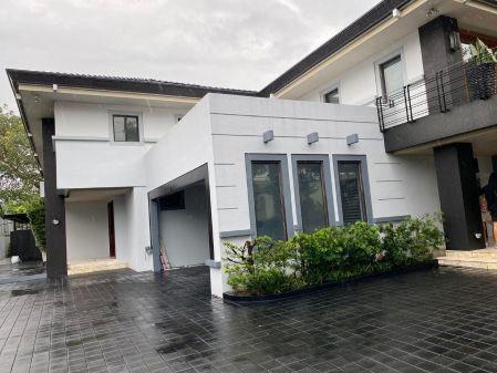 Newly Renovated 5BR House at Dasmarinas Village Makati