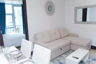 One Bedroom unit with balcony fully furnished Greenbelt Excelsior