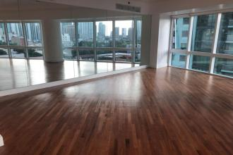 3 Bedroom Newly Renovated unit in Rizal Tower Rockwell Center Mak