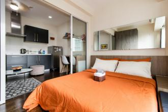 1BR Minimalist Design Condo in Acqua Private Residences