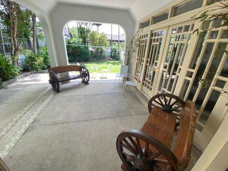 Fully Furnished 5BR House at Ayala Alabang