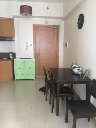 1BR Unit with Balcony and Parking for Rent at Trion Tower