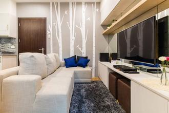 2BR Furnished with Free WIFI in Pioneer Woodlands