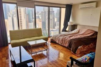3 bedroom unit for rent at Mosaic Tower Makati
