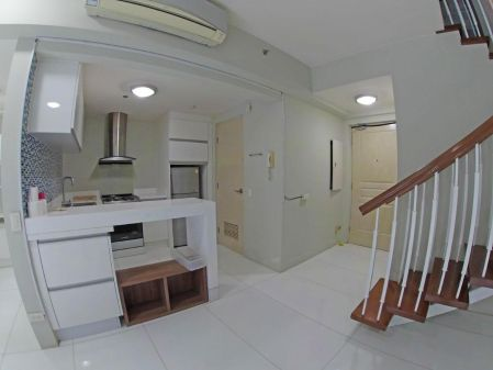 For Rent 2BR condo unit at Two Serendra Encino