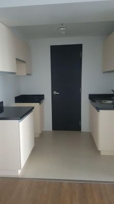 1BR Unit with Balcony in Solstice Tower Makati