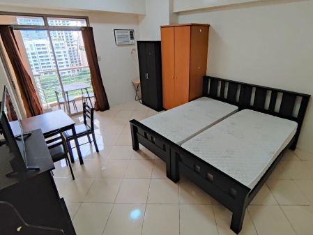 Large Studio with Balcony at Paseo Parkview Salcedo