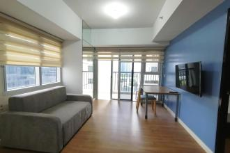 1BR Furnished Corner Unit with Balcony at Maridien BGC