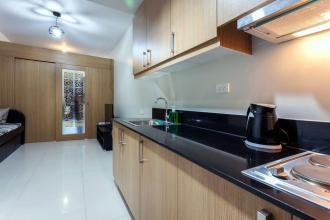 Fully Furnished 1BR Unit in Shell Residences