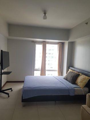 Furnished Studio for Rent in The Columns At Legaspi Village