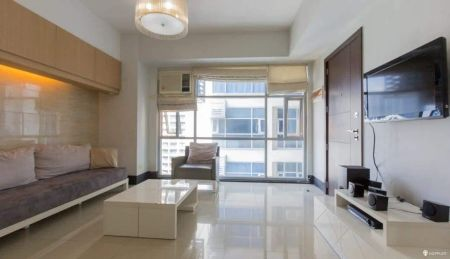 Fully Furnished 1BR with Balcony and Parking in Makati
