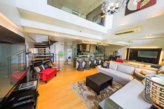 Fully Furnished 1BR Loft for Rent in One Rockwell Makati City