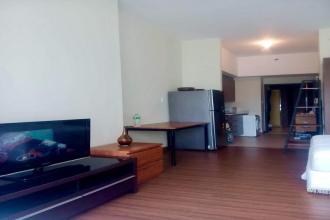 Studio Unit For Rent in Shang Salcedo Place Makati City