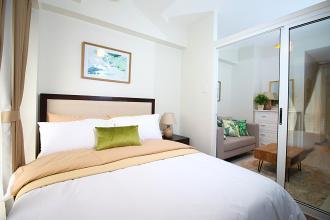 Cozy 1BR Apartment along EDSA Makati