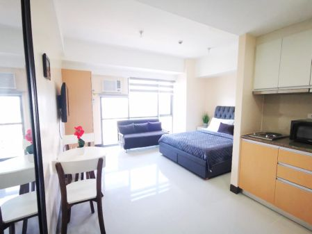 Fully Furnished Studio in McKinley Hill near Airport & BGC