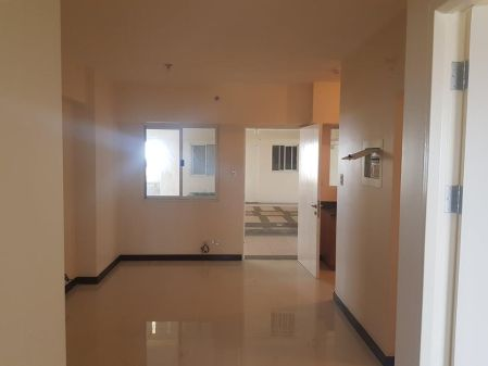 For Rent 2BR unit in Torre De Manila with Balcony and Parking