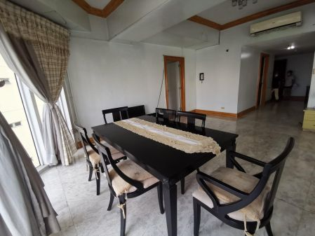 Spacious 4 Bedroom for Rent in Salcedo Park Condominium