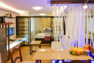 Fully Furnished 1BR at One Oasis Davao Condo w/ DSL Unlimited WiF