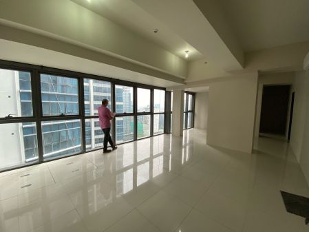 BIG Special 4 Bedroom at Uptown Ritz with Carpark