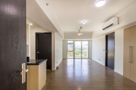 2 Bedroom Semi Furnished at The Veranda For Rent