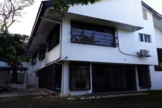 4 bedroom staff house in Alabang Hills Village