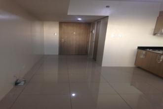 Furnished Studio Unit For Rent in Breeze Residences