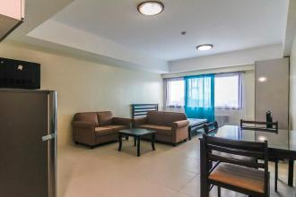 Fully Furnished 1 bedroom condo for rent at Icon Plaza