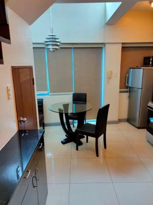 Fully Furnished 1BR Loft in Makati