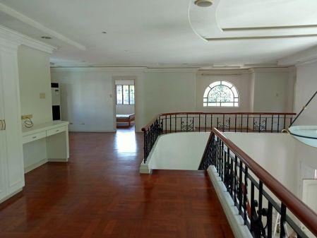 4BR Nice Looking House for Rent at Ayala Alabang Muntinlupa