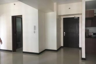 Executive 2 Bedroom with Parking in Magnolia Residences