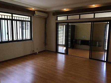 Tahanan Village Luxury Home
