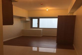 Studio Unit for Rent at Eton Tower Makati
