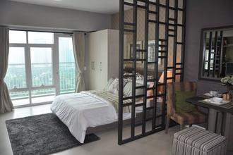Fully Furnished Studio for Rent with Balcony at Two Serendra