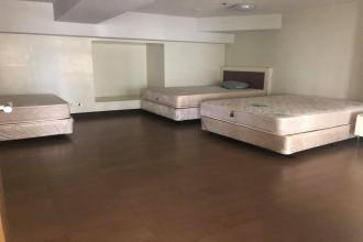 5 Bedroom Condo for Rent Good for Staff House