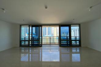 3BR Condo for Rent in The Suites at One Bonifacio High Street