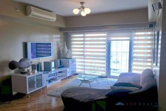 Corner 1BR One Bedroom Unit with Balcony for Rent at Manansala To