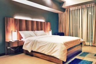 Big Luxury 1 Bedroom at 8 Forbestown Road BGC