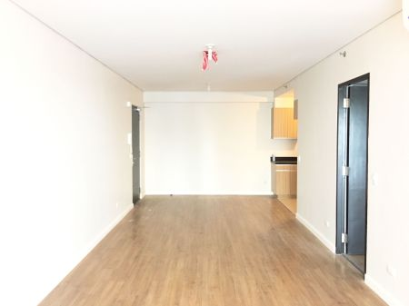 Big and Spacious Semi Furnished 1 Bedroom at Two Serendra Sequoia