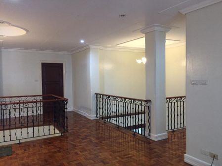 Ayala Alabang House 4+1BR for Rent in Alabang Muntinlupa