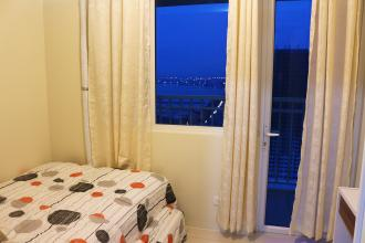 1BR Furnished Condo with Balcony in Breeze Residences