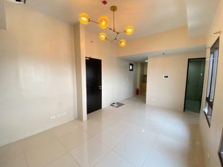 Good as New 2 Bedroom at 81 Newport Boulevard Pasay