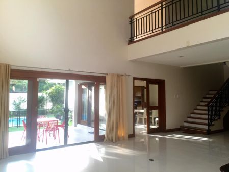 4BR Ayala Alabang with Den Huge House for Rent in Alabang