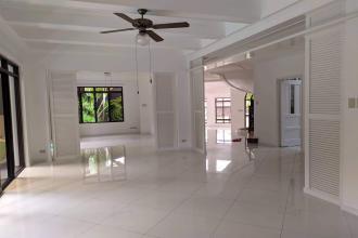 Ayala Alabang 4BR with Den Huge House for Rent in Alabang