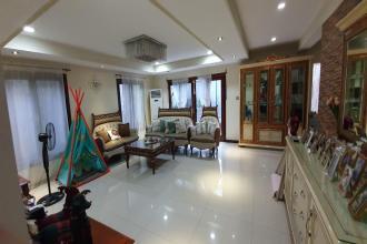 Semi Funished 4 Bedroom in Ayala Alabang Village
