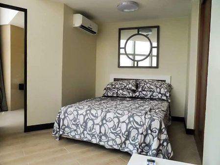 Fully Furnished 2 Bedroom Unit at One Central Makati for Rent