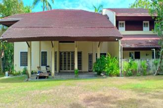 4BR Huge House with Den for Rent at Ayala Alabang Muntinlupa